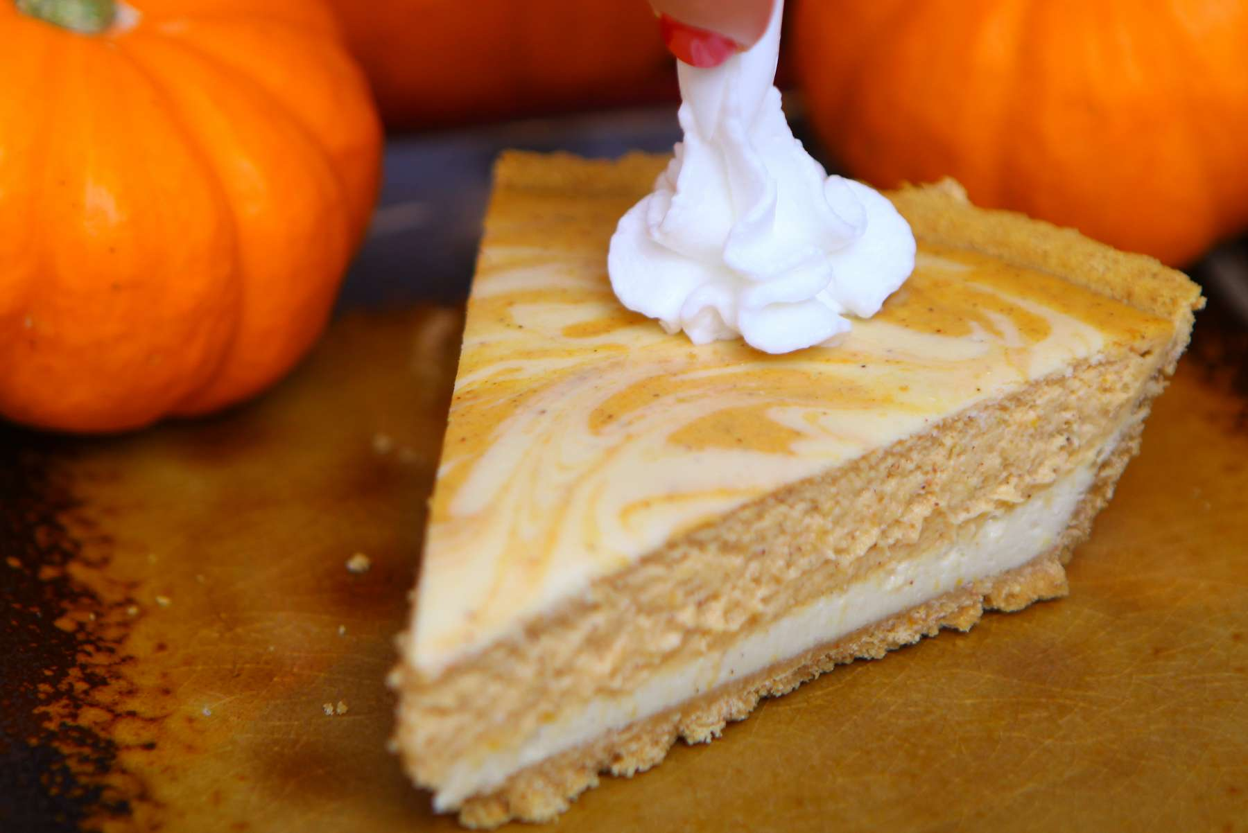 recipe: pumpkin cheesecake swirl pie [15]