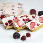 No Bake Frozen Berry Cheesecake